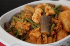 Salted fish bone curry (kiam hu kut gulai)