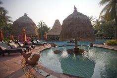 Main Pool, Anantara Hua Hin Resort & Spa, Hua Hin Beach, Thailand.