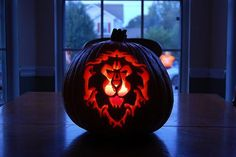Jack O' Lantern for the Alliance. Although I am FOR THE HORDE!, I applaud whoever carved this!