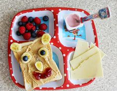 Toddler meals for picky eaters - How to handle mealtimes with a toddler - Parenting tips - Read here: http://www.sparklesandstretchmarks.com/2015/05/how-we-handle-mealtimes-with-toddler.html