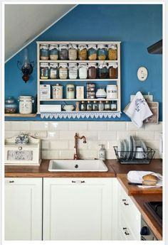 old time-y style kitchen Kitchen Dishes, Kitchen And Bath, Kitchen Decor, Kitchen Design, Kitchen Cabinets, Cupboards, Kitchen Ideas, Unique House Design, Uk Homes