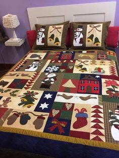 Christmas Quilting Projects, Christmas Tree Quilt, Christmas Patchwork, Christmas Quilt Patterns, Christmas Bunting, Christmas Applique, Christmas Bedroom, Christmas Sewing, Christmas Crafts