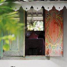 Home and Delicious: being there – on a tropical island hideaway Colorful Boho, Bohemian Decor, Painting Shutters, House Entrance, Rustic Bohemian, Vardo, Beautiful Doors, Hideaway, Tropical Islands