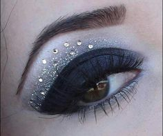 101 Eye Make Up Tutorials From Around The World Day Eye Makeup, Black Eye Makeup, Bronze Makeup, Makeup For Green Eyes, Beauty Makeup, Hair Makeup, Makeup Eyebrows, Prom Makeup, Eyeshadow Makeup