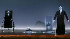 """Szene mit Martin Schneider (als Hamm), Juergen Holtz (als Nagg) und Georgios Tsivanoglou (als Clov) in Robert Wilsons Beckett-Inszenierung """"Endspiel"""" am Berliner Ensemble Foto: imago/DRAMA-Berlin.de"""