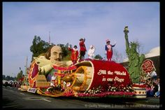 Parade Floats....Rose Bowl