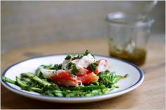 King crabe, tagliatelles d'asperges vertes et salsa piquante | Soupçon de Balsamique Journal culinaire - Bruxelles