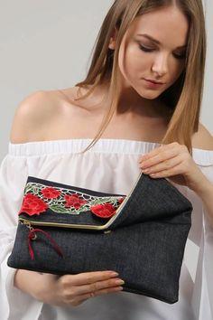 Diy Bags Purses, Cheap Purses, Purses And Handbags, Best Leather Wallet, Denim Crafts, Recycled Denim, Handmade Bags, Diy Clothes, Ideias Fashion