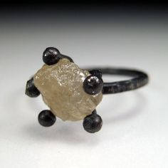 Sara Westermark - Rough diamond ring