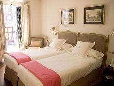 HOTEL MENINAS: estancia agradable en un edificio histórico del centro