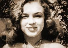 1946 Norma Jean défile pour la Blue Book - Divine Marilyn Monroe