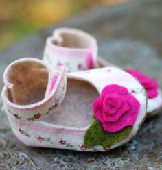 Items similar to Joyfolie Boy and Girl Baby Shoe / Bootie Pattern PDF on Etsy Love Sewing, Sewing For Kids, Baby Sewing, Diy For Kids, Baby Shoes Pattern, Baby Patterns, Shoe Pattern, Cute Baby Shoes, Baby Girl Shoes
