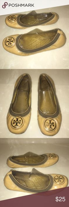 Tory Burch signature patent leather flats 8.5 Authentic Tory Burch signature patent leather flats sz 8.5  has scuffs and some cracks bottom soles show wear and insoles have marks sold as is Tory Burch Shoes Flats & Loafers
