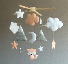 Nursery Ideas For Baby Girls - Interior Decor and Designing Nursery Crafts, Baby Nursery Decor, Baby Crafts, Baby Decor, Felt Crafts, Fox Mobile, Baby Crib Mobile, Fuchs Baby, Orange Nursery