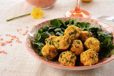 Recette amusante de falafels lentilles corail et épinards, faciles à réaliser, et sympa a proposer à l'apéro ou pour agrémenter une salade complète.