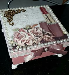 icu ~ Amazing DIY Decorative Boxes Ideas You Will Love For Sure Diy Trinket Box, Cigar Box Crafts, Altered Cigar Boxes, Rose Gold Morganite Ring, Handmade Jewelry Box, Unique Roses, Jar Art, Decoupage Box, Shabby Chic Crafts