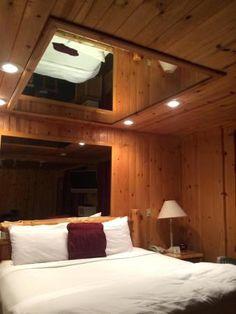 die besten 25 spiegel bett ideen auf pinterest ersatzzimmer ideen rustikale schlafzimmer und. Black Bedroom Furniture Sets. Home Design Ideas
