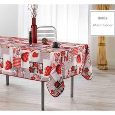 Moderní kuchyňský ubrus hnědé barvy s motivem Vánoc