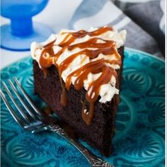 Sugar Buzz: Chocolate cake with black beer tasting and beer! Cookie Desserts, Sweet Desserts, Chocolate Beer, Chocolate Cake, Cooking With Beer, Caramel Frosting, Beer Tasting, Happy Birthday Cakes, Cake With Cream Cheese