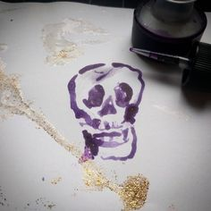 ❤💀🎨❤Ink dropper drawing skull with gold dust spill for day 3 of my #skulladay #creativesprint #30daychallenge anyone can join in this #Skullabration by making and sharing your own skull art! #wip #inthestudio #artistatwork #makearteveryday #makeartwithfriends #dailycreativity #skullart #inkdrawing #creativepractice
