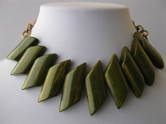 1940s Art Deco Celluloid Chain Green Spinach Bakelite Bib Necklace