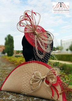 Women S Biggest Fashion Crimes Refferal: 9157074821 Diy Bags Easy, Simple Bags, Diy Handbag, Diy Purse, Sisal, Diy African Jewelry, African Hats, Fascinator Hats, Fascinators