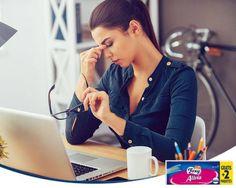 ¡Cuida tus ojos! Si pasas muchas horas frente al ordenador, prueba a parar cada 30 minutos para descansar la vista. Mira por la ventana al horizonte durante medio minuto antes de volver al trabajo.