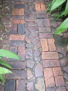 Stone & brick pathway through the garden. Path Design, Landscape Design, Garden Design, Brick Design, Design Ideas, Brick Pathway, Stone Walkway, Rock Walkway, Stone Paths