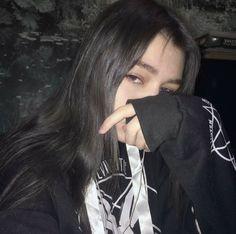° l i z z a ° - sad b i t c h e s идеи для фото, грандж и эстетика. Dark Tumblr, Tumblr Boys, Grunge Girl, Grunge Style, Soft Grunge, Bad Girl Aesthetic, Aesthetic Grunge, Girl Pictures, Girl Photos