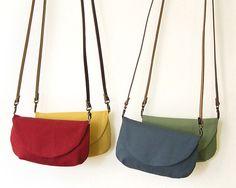 Bolsos bandolera - Bolso nº4 · Bolsito de algodón con asa de piel - hecho a mano por olula en DaWanda  #bolsos #clutch #bag #DaWanda #hechoamano #handmade #diseño #riñonera #mochila