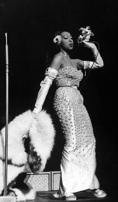 """Josephine Baker: the perfect embodiment of the """"Jazz Age."""" (See a slide Show from LIFE)- You know I love me some Josephine Baker! Josephine Baker, Belle Epoque, Black Is Beautiful, Beautiful People, 1920s Jazz, Vintage Star, Vintage Black Glamour, Vintage Beauty, Dior Dress"""