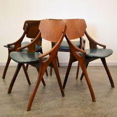 Located using retrostart.com > Dinner Chair by Arne Hovmand Olsen for Mogens Kold