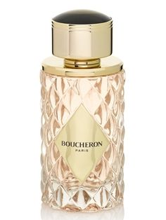 Place Vendôme Boucheron for women It opens with fresh and sparkling pink pepper which illuminates delicate orange blossom and rose essence. Jasmine petals develop in their full floral potential in the heart of the perfume, together with peony enriched with golden traces of creamy honey. The base notes include elegant cedar and sensual benzoin.