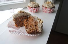 """Gluten free vegan Carrot Muffins with Cream """"Cheese"""" Frosting"""