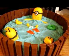DIY DESPICABLE ME MINION HOT TUB KIT KAT CAKE ~ Video
