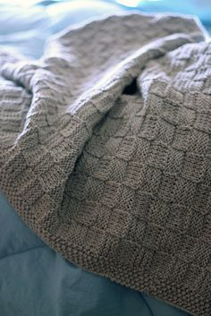 Basketweave Blanket - free pattern Ravelry