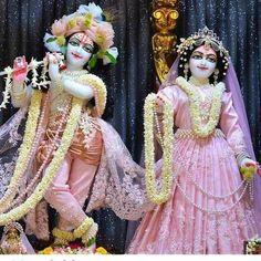 Krishna Leela, Cute Krishna, Jai Shree Krishna, Radha Krishna Photo, Radha Krishna Love, Radhe Krishna, Radha Rani, Lord Krishna Images, Radha Krishna Pictures