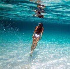 ✦⊱ɛʂɬཞɛƖƖą⊰✦ Underwater Painting, Underwater World, Yves Saint Laurent Bag, Underwater Pictures, Visualisation, Summer Pictures, Underwater Photography, Pictures To Paint, Ocean Beach