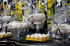 One of the cutest and sweetest party ideas is cute - candy buffets! Here are a few of the best awesome candy buffet ideas for your next party or event Dessert Buffet, Candy Buffet, Dessert Bars, Candy Table, Yellow Desserts, Food Stations, Candy Stations, Yellow Candy, Candy Bar Wedding