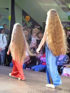 Afbeeldingsresultaat voor very long hair