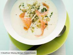 Velouté de pommes de terre au saumon facile et rapide : découvrez les recettes de Cuisine Actuelle Eat Smarter, Thai Red Curry, Fruit, Ethnic Recipes, Food, Apples, Asparagus, Fennel, Recipes