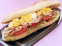 Sanduíche de Metro de Frango e Tomate -