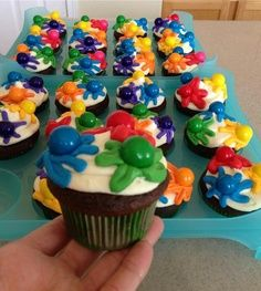 Paintball party cupcakes - great teen and tween party idea! Paintball Cupcakes, Paintball Birthday Party, Paintball Cake, 10th Birthday Parties, 13th Birthday, Teen Boy Birthday Cake, Birthday Ideas, Cupcake Party, Party Cakes