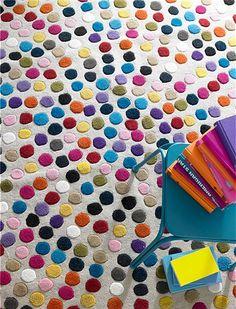 Super flauschiger Teppich mit bunten punkten. Jetzt das exklusive car Möbel-Modell für Ihr Zuhause entdecken! ✓in 2 Größen erhältlich ✓reine Wolle