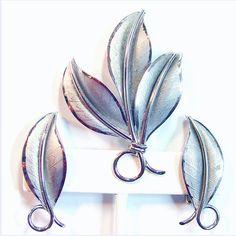 Danecraft Sterling Textured Leaf Set Vintage Brooch Earrings ($39) ❤ liked on Polyvore featuring jewelry, earrings, vintage jewellery, leaf earrings, vintage clip on earrings, leaves earrings and clip back earrings