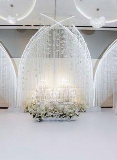Floral Wedding, Wedding Planner, Wedding Decorations, Ideas Decoración, Chandelier, Backyard, Ceiling Lights, Simple, Events