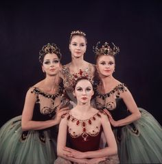 "New York City Ballet - Studio photo of Violette Verdy (front), Mimi Paul (seated), Patricia McBride in red, George Balanchine and Suzanne Farrell in white, in ""Jewels"", choreography by George Balanchine (New York)"