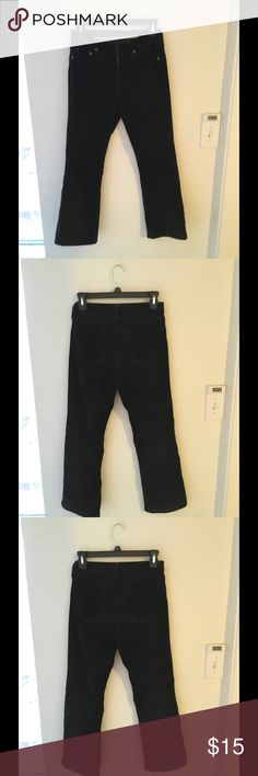 UNIQLO cropped cords pants W24' In gently used condition, waist 61cm is 24 inch Uniqlo Pants Ankle & Cropped