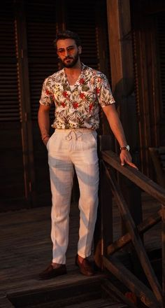 Linen Outfits For Men, Cool Summer Outfits, Stylish Mens Outfits, Mens Fashion Summer Outfits, Fashion Men, Casual Outfits, Floral Shirt Outfit, Outfits Hombre, Mens Clothing Styles