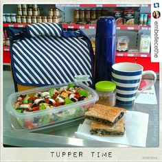 ¡Supermenú de tupper vegano de @embellecethe! Ensalada de hoja de roble, pimiento rojo, pepino, aguacate, champiñones y tomate seco y empanada de espinacas y champiñones a la crema de cebolla. ¡Comer de tupper está de moda! #Snailbag #lunchbag #vegan #veggie #tuppertime #healthy #moda #chic #MadeInSpain #ShopOnline  http://www.snailbag.es/shop/original-style/bolsa-porta-alimentos-isotermica-para-tuppers/bolsa-para-comida-snailbag-sailor-yellow/